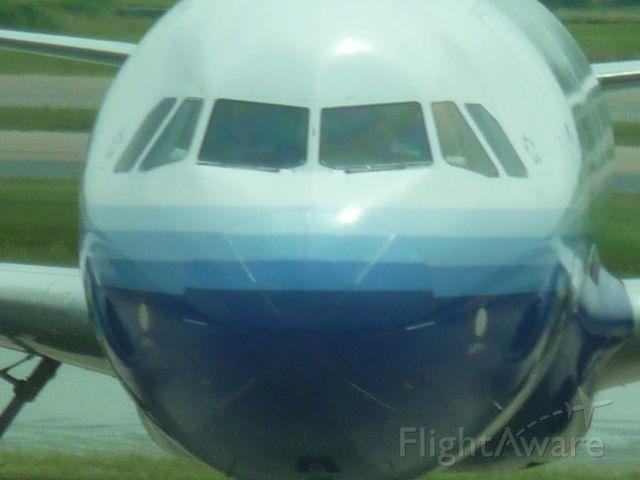 Airbus A320 (N407UA)