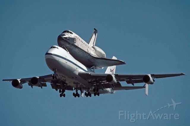 BOEING 747-100 (N905NA) - The space shuttle orbiter Columbia OV-102 was delivered to Air Force Plant 42 at Palmdale, California on Saturday, September 25, 1999 on the back of Boeing 747 Shuttle Carrier Aircraft (SCA) N905NA. It was housed at Boeing