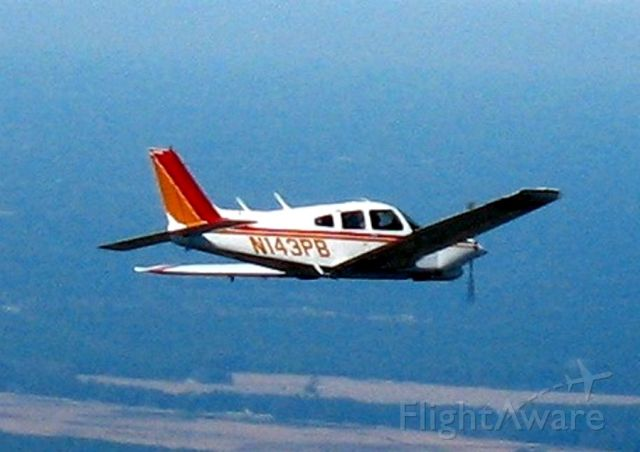 Piper Cherokee Arrow (N143PB)