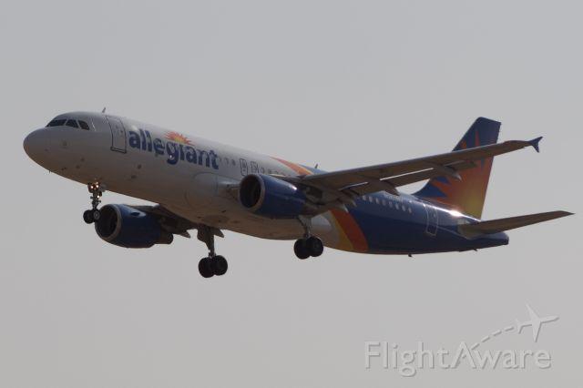 Airbus A320 (ALLEGIANT) - Allegiant on short final for 29R from Las Vegas