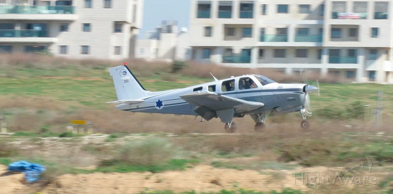 Beechcraft Bonanza (36) (4X301) - Landing LLSD 2-19-16