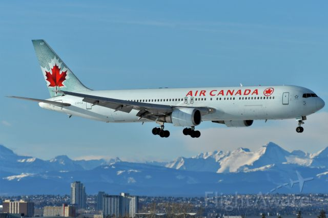BOEING 767-300 (C-FPCA) - Air Canada Boeing 767-375(ER) arriving at YYC on Jan 1.