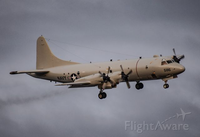 Lockheed P-3 Orion — - P3 making a bank for 23L!!