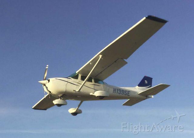 Cessna Skyhawk (N1395E)