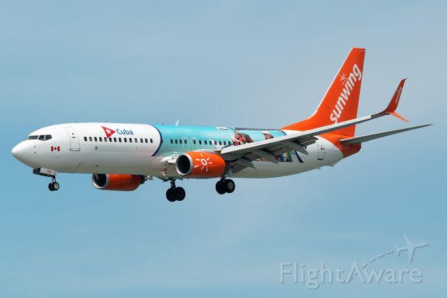 Boeing 737-700 (C-FDBD) - On final approach