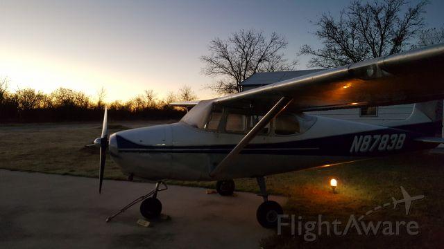 Cessna Skyhawk (N8783B) - The chilly morning before 9hr flight from KXBP to KROA