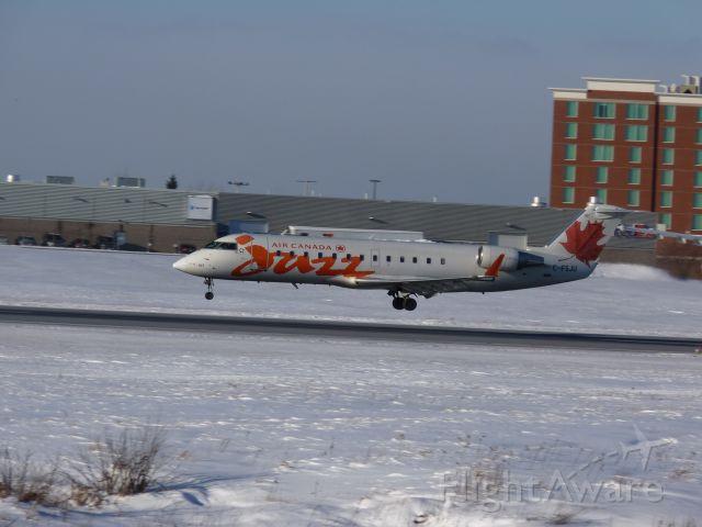 Canadair Regional Jet CRJ-200 (C-FSJU) - landing on rwy#25