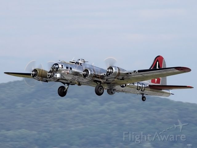 Boeing B-17 Flying Fortress (N3193G) - Leaving Reading, PA
