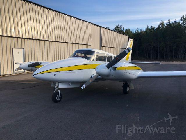 Piper PA-30 Twin Comanche (N284TC)