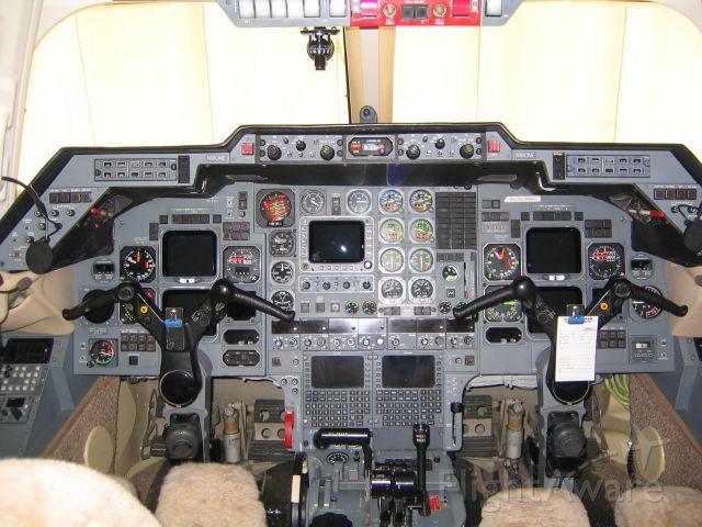 Raytheon Hawker 800 (N180NE)