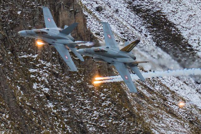 McDonnell Douglas FA-18 Hornet (J5011) - Axalp live fire demonstration<br />Swiss Airforce / F/A-18C