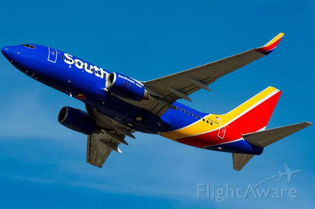 """Boeing 737-700 (N913WN) - Full Photo: <a rel=""""nofollow"""" href=""""http://www.airliners.net/photo/Southwest-Airlines/Boeing-737-7H4/2558268/L/&sid=a4498f49f7f6e56922499ba482298b8a"""">http://www.airliners.net/photo/Southwest-Airlines/Boeing-737-7H4/2558268/L/&sid=a4498f49f7f6e56922499ba482298b8a</a>"""