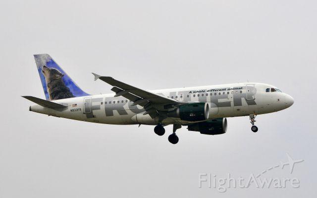 de Havilland Dash 8-400 (N933FR) - Landing 19R on 07102011