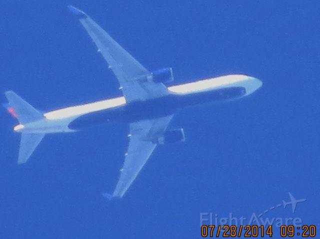 BOEING 767-300 (N1605) - Delta flight 2368 from ATL to SEA over Baxter Springs KS (78KS) at 36k feet.