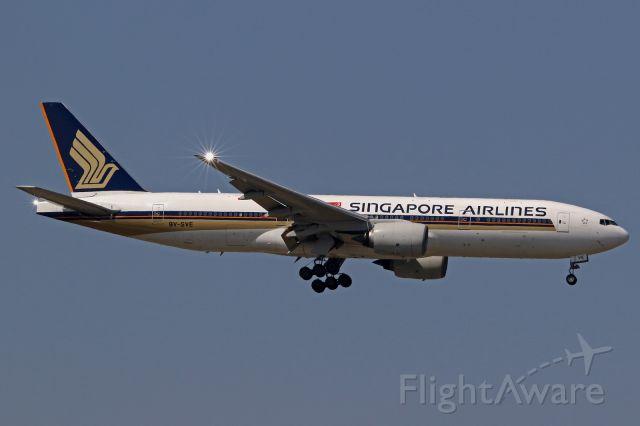 Boeing 777-200 (9V-SVE)
