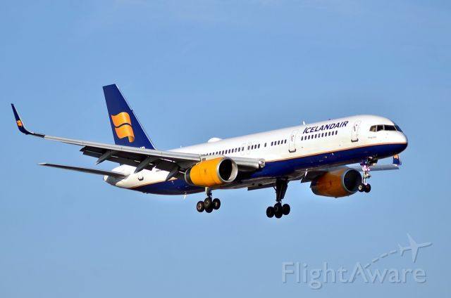 Boeing 757-200 (TF-FIT)