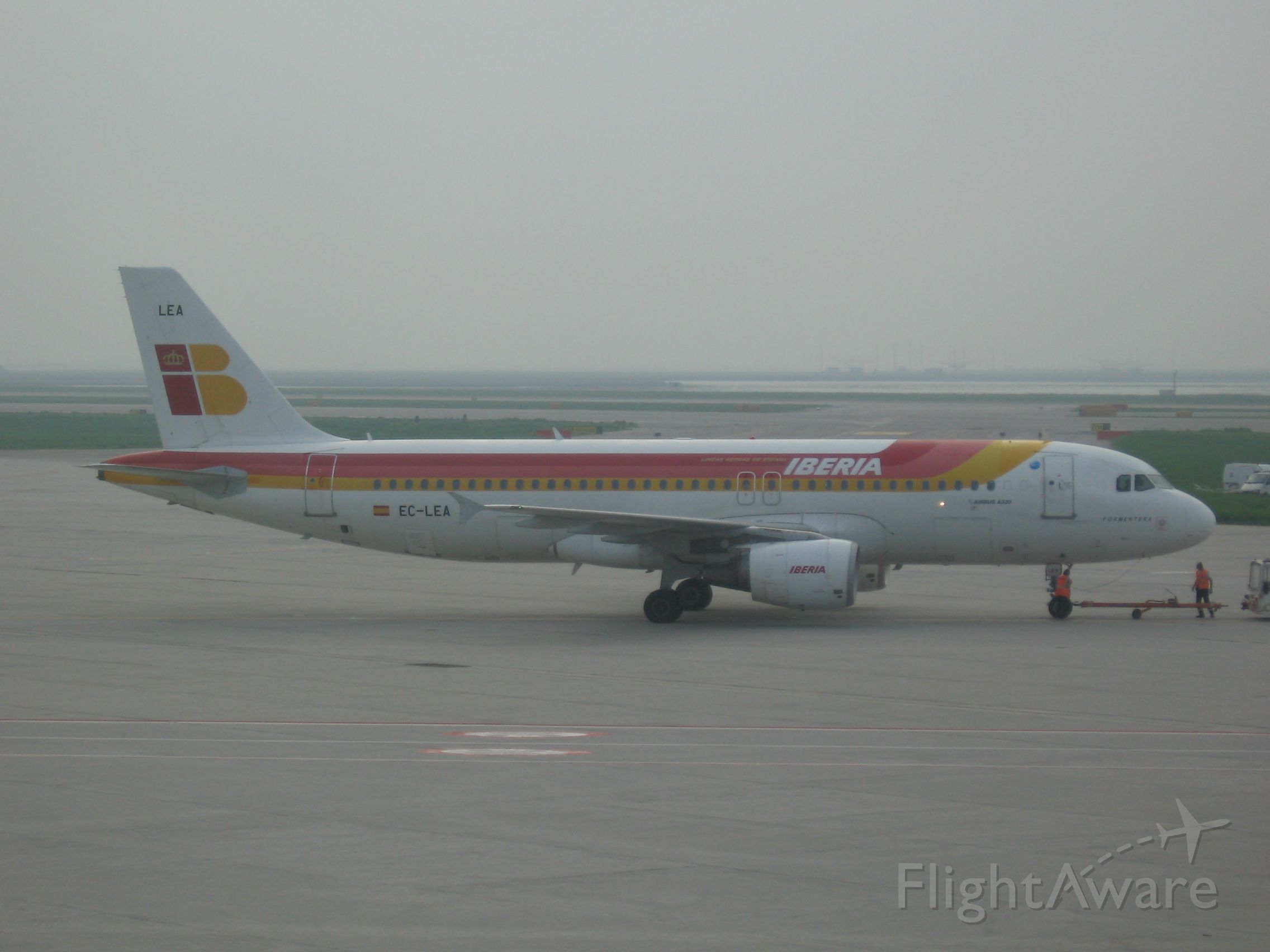 Airbus A320 (EC-LEA)