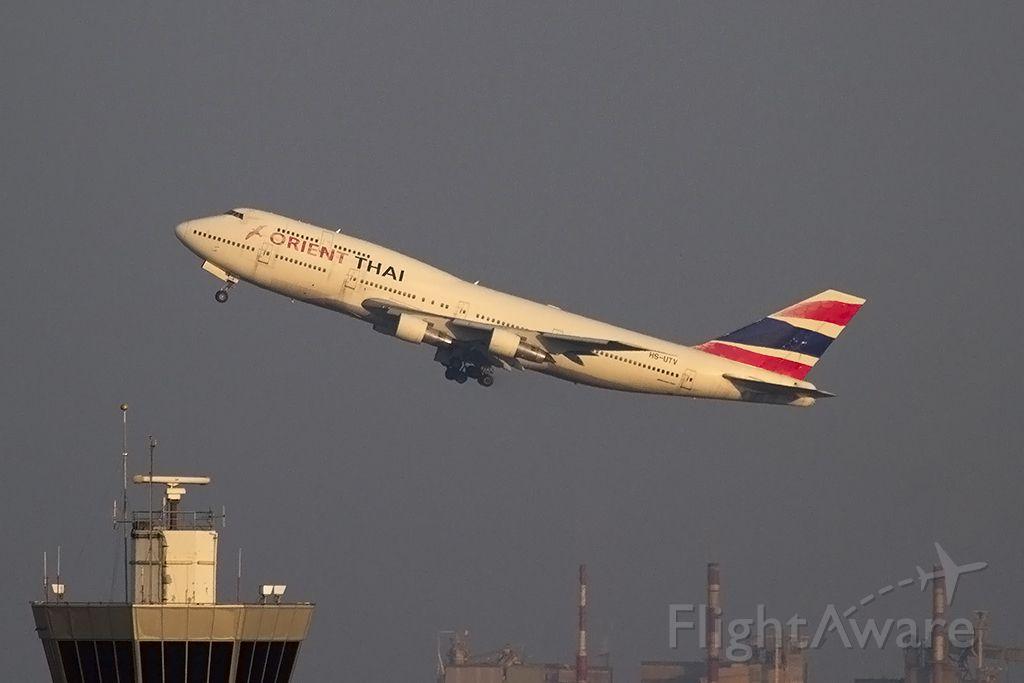BOEING 747-300 (HS-UTV)