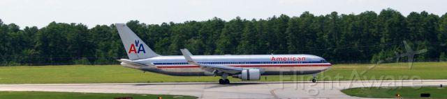 BOEING 767-300 (N39364)