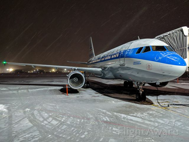 Airbus A319 (N744P) - Youre a snowy one... Mr. Piedmont... Full quality photo: a rel=nofollow href=http://www.jetphotos.com/photo/8627593https://www.jetphotos.com/photo/8627593/a