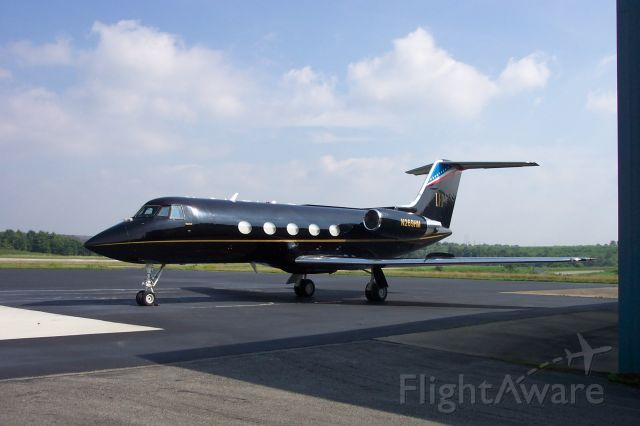 Gulfstream American Gulfstream 2 (N269HM) - LARRY FLYNTS BLACK HUSTLER GULFSTREAM.  PARKED AT BIG SANDY AIRPORT, PRESTONSBURG, KY.