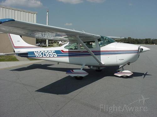 Cessna Skylane (N92895) - Cessna 182 Skylane