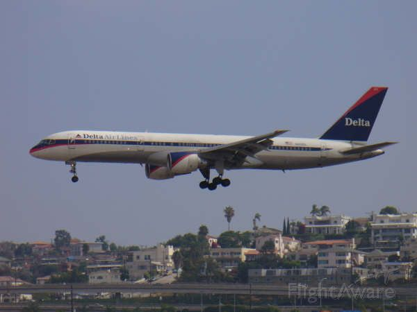 Boeing 757-200 — - Over the Rwy 27 displacement...