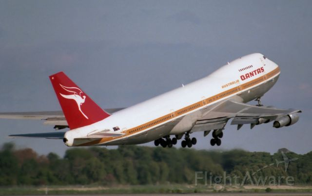 Boeing 747-200 (VH-EBE) - Adelaide, South Australia, May 22, 1983. Just my tip of the hat to all Qantas' queens of the skies in salute to their glorious service which ended with a final flight Monday July 13, 2020.