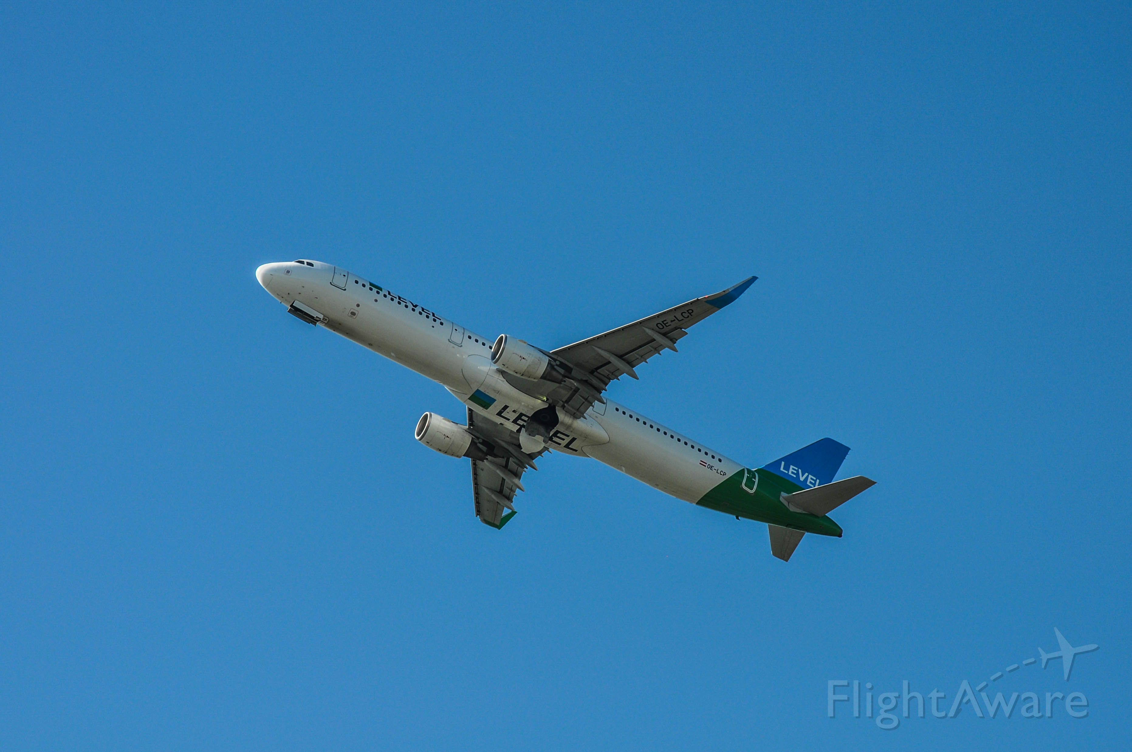 Airbus A321 (OE-LCP)