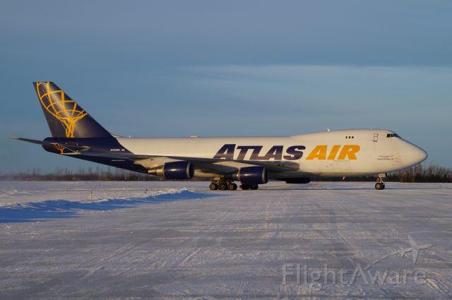 Boeing 747-200 (N409MC)
