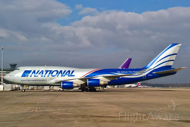 Boeing 747-400 (N952CA)