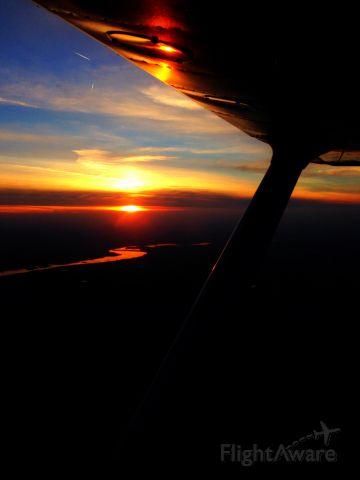 Cessna Skyhawk (N986AV)