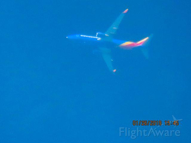 Boeing 737-800 (N8509U)