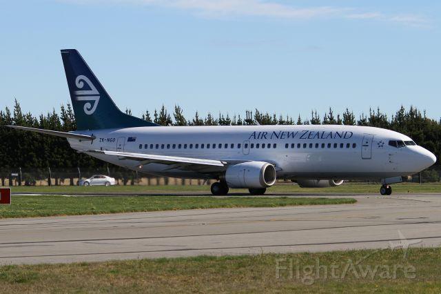 BOEING 737-300 (ZK-NGO)