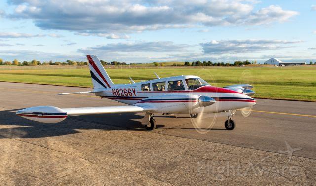Piper PA-30 Twin Comanche (N8266Y)