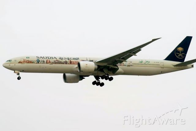 BOEING 777-300ER (HZ-AK32)
