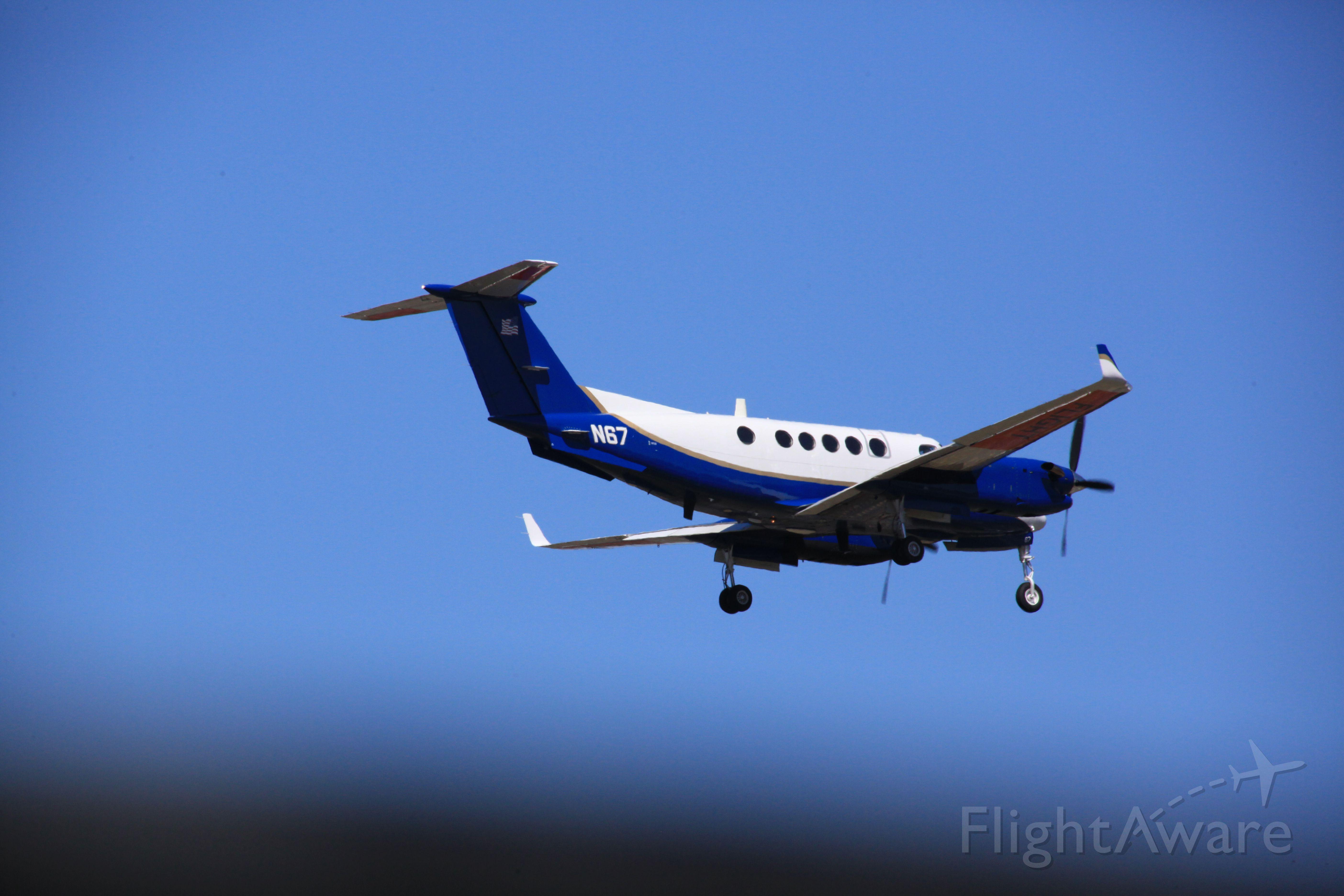Beechcraft Super King Air 300 (N67)