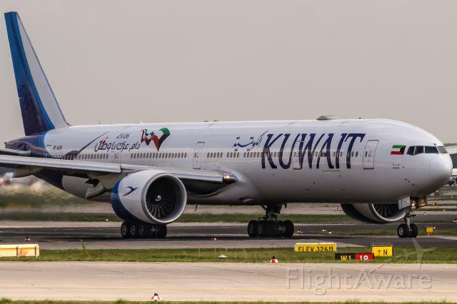 BOEING 777-300 (9K-AOH) - 9K-AOH Kuwait Airways Boeing 777-369(ER) departing to Kuwait City (KWI) @ Frankfurt (FRA) / 15.04.2018