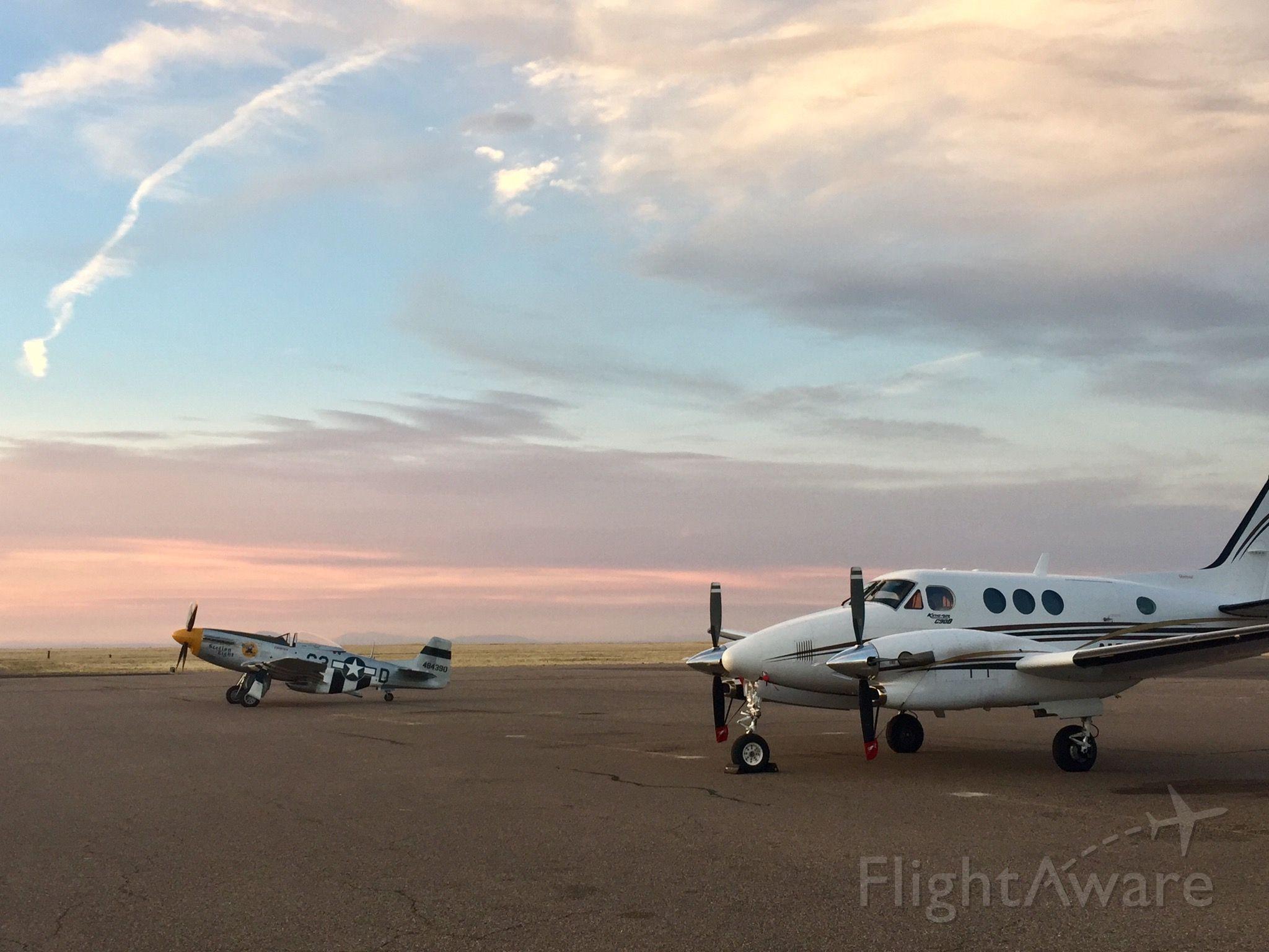 Beechcraft King Air 90 (N2354Y)