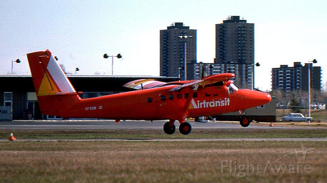 De Havilland Canada Twin Otter — - Un des six DHC-6 dAir Transit décollant de laéroport de Rockliffe (Ottawa STOLport), en direction de Montréal, juin 1975