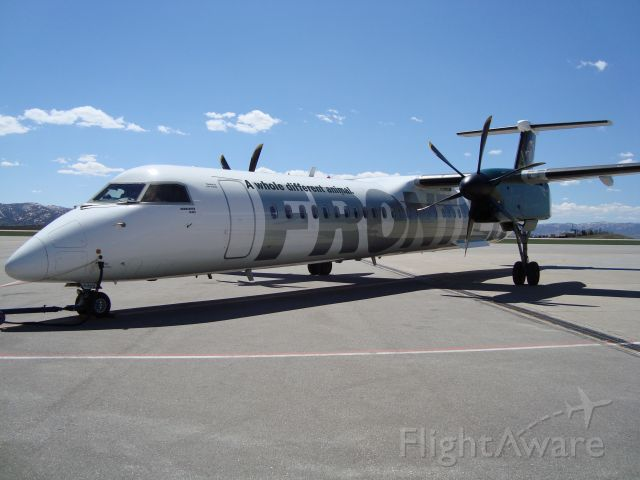 de Havilland Dash 8-100 (N502LX)