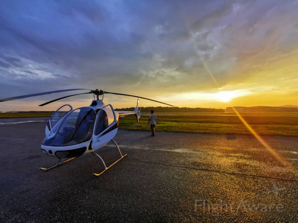 N99UR — - sun is setting, quick refuel and headed home