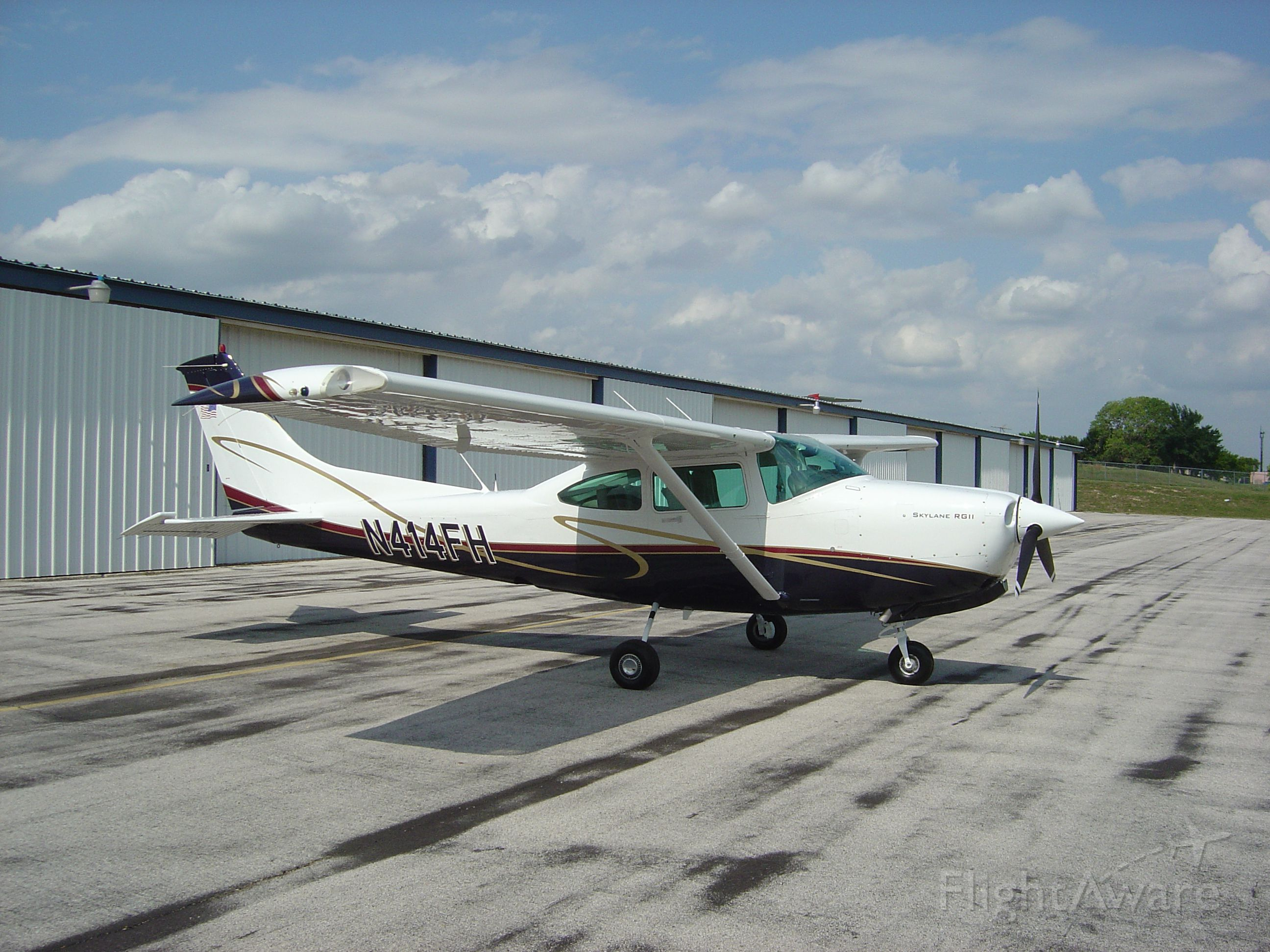 Cessna Skylane RG (N414FH)