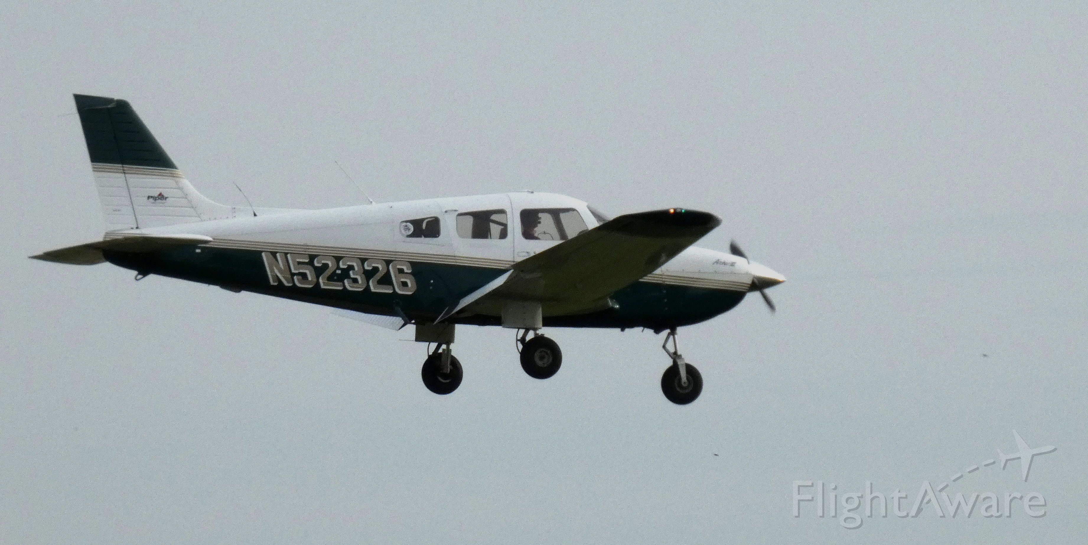 Piper Cherokee (N52326) - On final is this 2001 Piper Cherokee PA-28-181 in the Autumn of 2020.