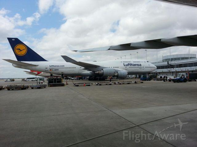 Boeing 747-400 (D-ABVD)
