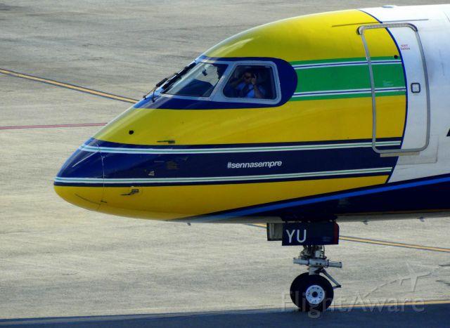 Embraer ERJ-190 (PR-AYU)