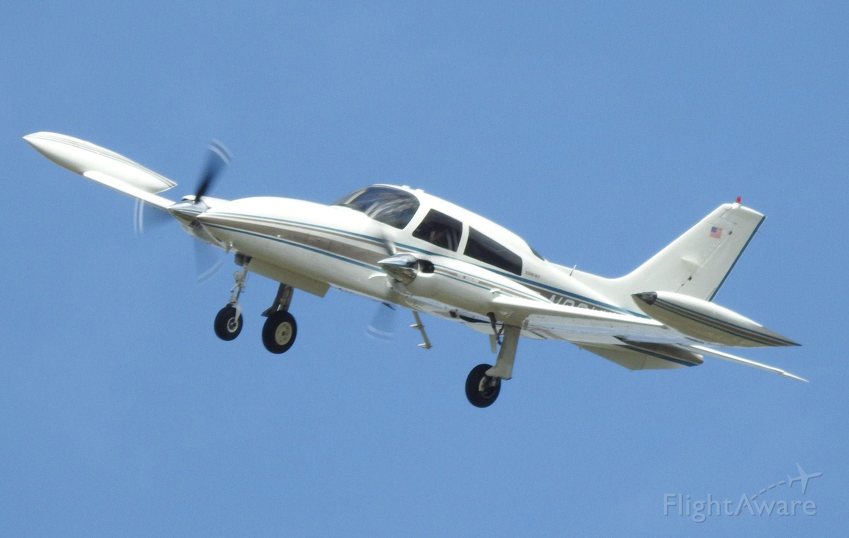Cessna 310 (N20WF)