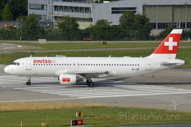 Airbus A320 (HB-IJM)