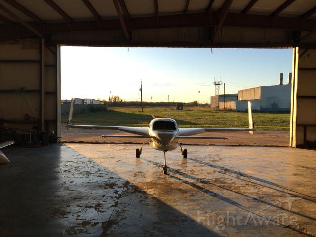 VELOCITY Velocity (N56MR) - In the hanger and morning sun.
