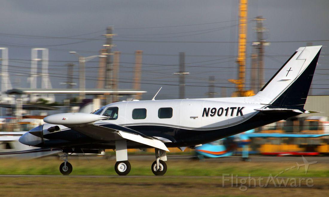 Piper Cheyenne (N901TK)